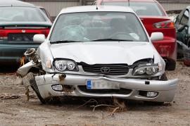 Auton etuosa romuttui. Kuva: Simo Päivärinta