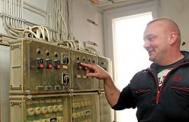 Yksi Kosken paloaseman murheenkryyneistä on VPK:n päällikön Mika Petterssonin mukaan monimutkainen sähköpääkeskus, jossa on sekä meijerinaikaisia että uudempia sähköjohtoja sekaisin.