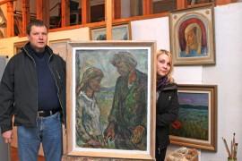 Sami Männistö ja Taija Lehtinen ovat koostaneet Syrjämän satavuotisnäyttelyn. Juhanin ja Venlan kihlaus on vuodelta 1949, jolloin taiteilija oli jo löytänyt oman tyylinsä.