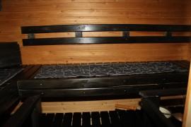 Mustaa saunavahaa kului pikkusen toista litraa.
