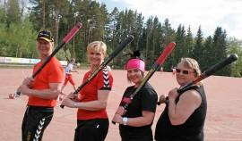 Tunteita ja juoksuja riittää myös talkooväellä eli Olli-Pekka Paunalla, Johanna Ilmasella, Salla Lappeteläisellä ja Päivi Hongistolla.