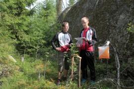 Ilkka Nokka ja Markku Laaksonen arvioivat maastoon jo tehtyä nuorten radan rastia sijainniltaan jokseenkin selkeäksi.