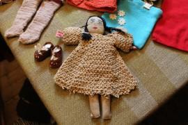 Pula-ajan nukke on valmistettu paperinarusta ja -kankaasta. (kuva: Kenneth Sundberg)