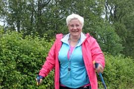 Matalan kynnyksen liikuntaryhmässä etsitään liikunnaniloa ja terveellistä elämäntapaa muiden muassa Helinä Nuutisen johdolla.
