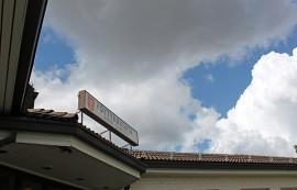 Pöytyän kunnan taloustaivaan ylle kertyy pilviä. Kunnanjohtajan mukaan henkilöstömenoistakin on pakko nipistää.
