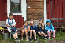 Tarvan Tapiot on kasvattanut uuden sudenpentulauman ja osa on jo kasvanut seikkailijoiksi. Molempiin ryhmiin mahtuu uusia partiolaisia.