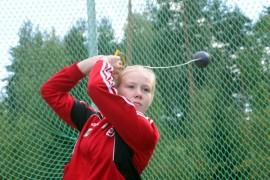 Heidi Nevala on tänä kesänä parantanut ennätystään moukarinheitossa peräti yhdeksällä metrillä.