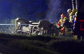 Kuljettaja joutui sairaalahoitoon suistuttuaan Kymppitieltä lähellä Tarvasjokea maanantai-iltana.