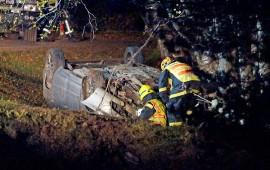 Henkilöauto vaurioitui ulosajossa pahoin. Kuva: Simo Päivärinta.