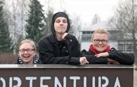 Tulevan lauantain Improtus-illan järjestämisessä ovat olleet mukana muun muassa Elina Vainio, Patrik Jansson ja Henna Virtanen. Kuva: Juha Lahti