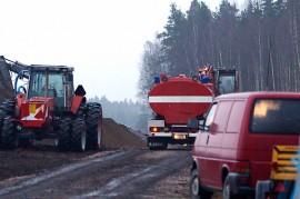 Tarvasjoen ja Marttilan palokunnat olivat taas sammutustöissä turvetuotantoalueella. Kuva: Simo Päivärinta