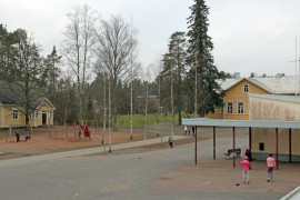 Pöytyän kouluselvityksen odotetaan valmistuvan vuoden loppuun mennessä. Kyrön kouluun odotetaan laajennusta parin vuoden päästä.