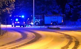 Hurja humala vei henkilöautoa kuljettaneen naisen ojaan Tarvasjoen keskustassa tapaninpäivän illalla.