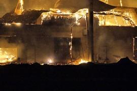 Lämpökeskus tuhoutui rajussa tulipalossa täysin. Kuva. Simo Päivärinta.