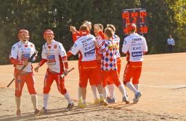 Ville Harju otti sunnuntain pelissä vastaan kunnarionnittelut. Kuva Paula Pellonperä