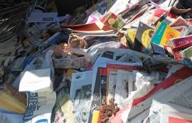 Kananmunankuoria, nakkeja, suodatinpusseja kahvinporoineen... Minkä sortin sivistyksellä nämä voi sekoittaa  kierrätyspaperiin?