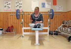 Artturi Verho tavoittelee lauantaina klassisen penkkipunnerruksen Suomen ennätystä.