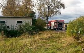 Rakennusjätekasa paloi Koskella Härkätien varrella sunnuntaina. Kuva: Simo Päivärinta