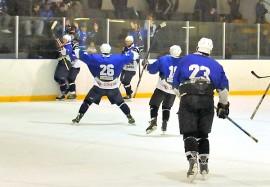 Taru Hockey tuuletti tähän malliin voitettuaan viime maaliskuussa Kokemäen Kova-Väen. Kuva: AVL:n arkisto/Markku Pönni.