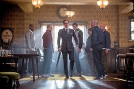 Kingsman-elokuva hauskuuttaa, mutta myös pistää housut tutisemaan jännityksestä.