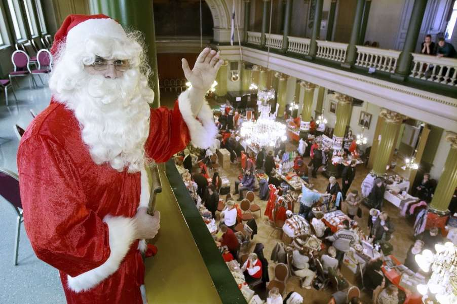Joulupukki vieraili VPK-talon myyjäisissä Turussa. Arkistokuva: TS/Ari-Matti Ruuska