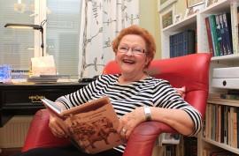 Marja-Riitta Perttulan kirjaansa kokoamat tarinat ja muut selvitykset nimien taustasta kertovat paljon menneiden aikojen elämästä.