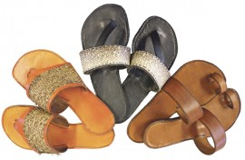Sandaalimalleissa mielikuvitus on rajana. Koristeena voi käyttää esimerkiksi parkittua kalannahkaa.