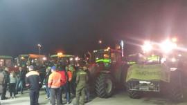 Salosta traktorimarssijoita lähti aamuviideltä jo melkoinen letka. Kuva: Perttu Uusitalo