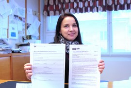Eeva-Sirkku Pöyhönen esittelee kahta veroedun saamisen kannalta tärkeää paperia: ilmoitusta yksityisten sosiaalipalveluiden tuottamisesta sekä verohallituksen arvonlisäverottomia yksityisiä sosiaalipalveluita koskevaa ohjetta.