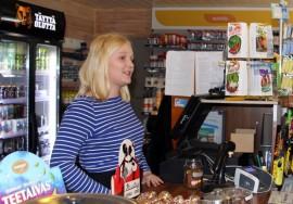 Heidi Huttusella on jo kesätyöpaikka selvillä. Heidi nähdään viime kesän tapaan myös tulevana kesänä Yläneen ST 1-asemalla.