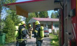 Palonalusta selvittiin vähillä vahingoilla. Kuva: Simo Päivärinta.