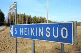 Heikinsuolaiset mielivät Auraan. Auran kunnalle Heikinsuo kelpaisi, mutta Pöytyä ei halua siitä luopua. Kuva: Marika Timonen