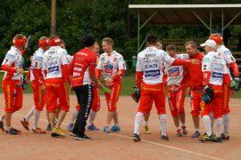 Pöytyän ykköspesismiehet olivat tyytyväisiä sunnuntain ottelun jälkeen. Kuva: Paula Pellonperä