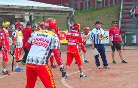 Pöytyän Urheilijoiden Niko Julin onnistui mailan varressa hienosti keskiviikkoillan ottelussa. Kuva: Olli-Pekka Pauna