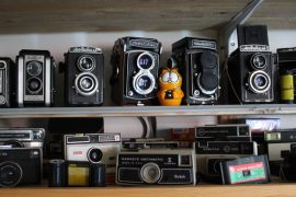 Mitä yhteistä on kameralla ja haitarilla? Se selviää Nostalgiamuseossa. (kuva:Kiti Salonen)