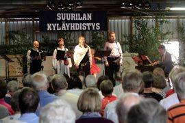 Aki Alamikkotervo, Leena Reinman, Tiina-Maija Koskela, Nicholas Söderlund ja Pasi Helin päättivät konsertin Finlandiaan. (kuva: Kiti Salonen)