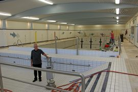 Kuluneella viikolla Tarvashovissa on viimeistelty uimahallin pintaremonttia sekä tehty suursiivousta.