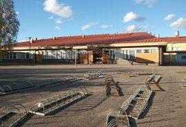 Auran yhtenäiskoulussa sattui perjantai-iltapäivänä välikohtaus. Tilanne rauhoittui poliisipartion tultua paikalle.