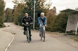 Täältä tullaan menestys. Roope Salminen esittää elokuvassa Antti Lautalaa ja Tatu Sinisalo Toni Wirtasta..