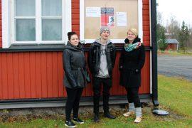 Vilma Koskela, Miska Toivonen ja Reetta Vähä-Heikkilä toivovat, että työväentalo on perjantaina täynnä iltamaväkeä.