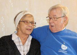 Eevi ja Arvo Nevala juhlivat rautahäitään perhepiirissä.