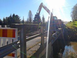 Katteluksentien silta Koskella on lokakuun ajan remontissa ja käytössä on kiertotie. Kuva: Simo Päivärinta