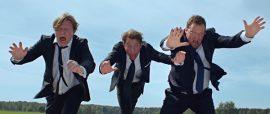 Jaajo Linnonmaa, Aku Hirviniemi ja Sami Hedberg heittäytyvät rooleihinsa Luokkakokous 2:ssa.