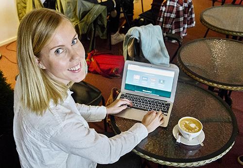 Osa Vara.jobsin käyttäjistä ei halua varsinaisesti hakea töitä ohjelman kautta, mutta käyttää sitä sähköisenä portfoliona tai CV:nä osaamisestaan, kertoo Eeva Hellsten. Kuva: Jari Laurikko, TS.