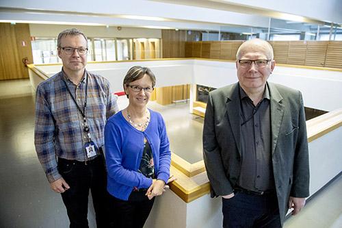 Hannu Lehti (vas.), Teija Aarnio ja Juha Pusila seuraavat mielenkiinnolla työmarkkinoiden kehitystä.